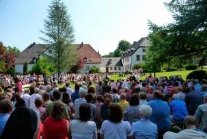 Open-Air-Gottesdienst im Kloster Nette
